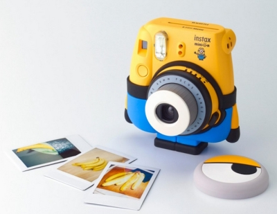 0024010247 - FUJI INSTAX MINI 8 MINION ^